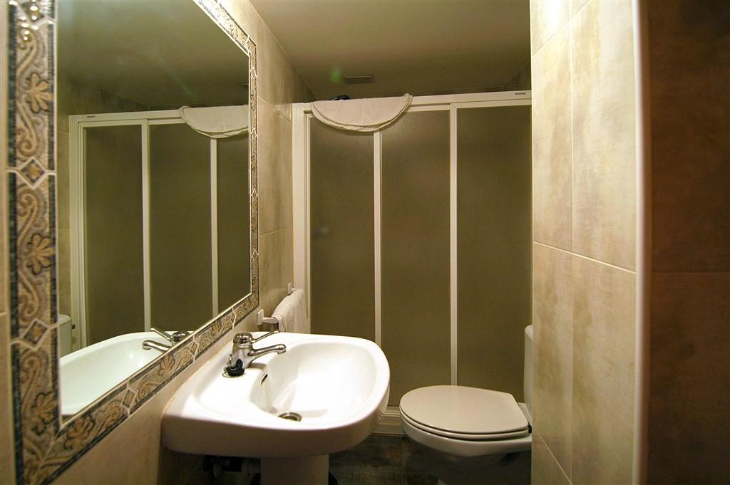 Bathroom07